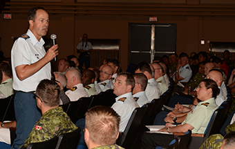 The Chief of the Defence Staff (CDS), General Tom Lawson, visited 16 Wing of the Royal Canadian Air Force in Borden, Ontario, where he met with Canadian Armed Forces (CAF) members at a Town Hall gathering at the Terra Theatre. While in Borden, the CDS also presented the CF Unit Commendation to The Royal Canadian Air Force Academy and the CDS Commendation to a deserving member of the CAF.