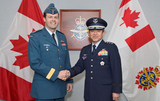 General Shigeru Iwasaki (right), Chief of Staff of the Joint Staff Council of the Japan Self-Defense Forces, visits with General Tom Lawson (left), Chief of the Defence Staff, on April 04, 2014, at the National Defence Headquarters, 101 Colonel By Drive, Ottawa. Photo credit: Corporal Heather Tiffney - Canadian Forces Support Unit (Ottawa) - Imaging Services - ©2014 DND-MDN, Canada