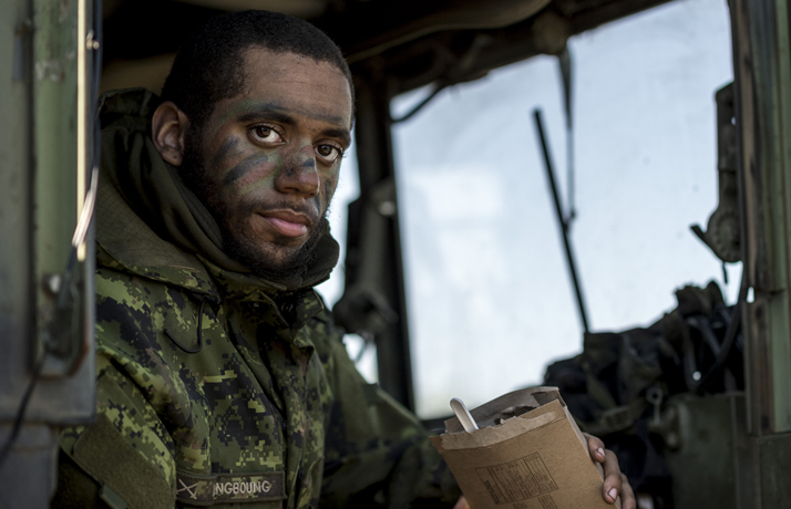 ##MCECOPY##A member of Alpha Company, Lord Strathcona's Horse Regiment, pauses for a break after an attack during Exercise MAPLE RESOLVE