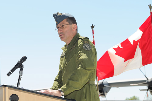 LGen André Deschamps welcomes the 17th CC-130J Hercules to 8 Wing Trenton, Ont.