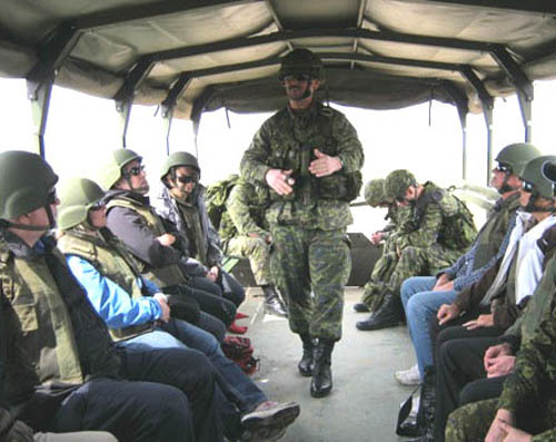 Guests of the CFLC ExecuTrek observe Exercise BISON WARRIOR 12 in Shilo, MB, May 2012.