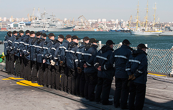 Her Majesty's Canadian Ship FREDERICTON departs Constanta, Romania to conduct exercises in the Black Sea with Standing NATO Maritime Group 2 during Operation REASSURANCE on March 16, 2015. The ships of SNMG2 are in the Black Sea to reassure allies in the region of the Alliance's collective defence and will operate and train with ships from the Bulgarian, Romanian, and Turkish navies. Photo: Maritime Task Force - OP Reassurance, DND  HS41-2015-0052-011