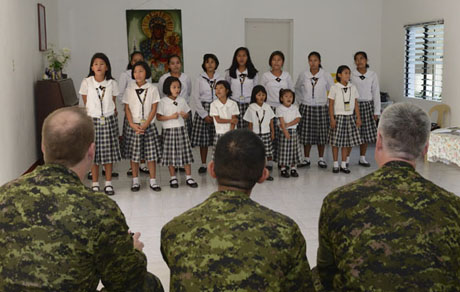 Philippines perform a concert in honour of the canadian armed forces