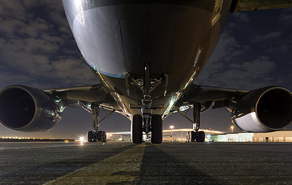 A CC-150 Polaris sits on the tarmac in Kuwait as the crew prepares for their next mission over Iraq during Operation IMPACT on February 6, 2015. Photo: OP Impact, DND