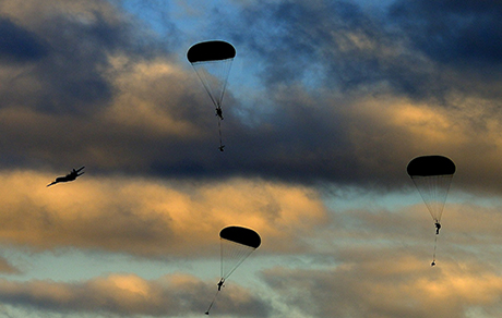Soldiers from 3rd Battalion, the Royal Canadian Regiment Mike Company parachute from a C130J Hercules aircraft in Drop zone Anzio on November 21, 2014 at Garrison Petawawa, Ontario. Photo: Corporal Daniel Salisbury, Garrison Imaging Petawawa