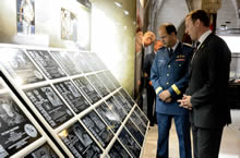 Ottawa, Ont.; July 8 2013 – The Honourable Peter MacKay, Minister of National Defence and Chief of the Defence Staff, General Thomas Lawson view the plaques of the fallen during the unveiling of an Afghanistan memorial vigil on Parliament Hill. (Image number IS2013-1030-09 by Sergeant Matthew McGregor, Canadian Forces Combat Camera)