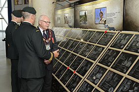 Garrison Petawawa, 8 July 2014 – Deputy Commander of 4th Canadian Division Support Group (4 CDSG) Lieutenant-Colonel Louis Lapointe speaks with the Mayor of Pembroke Ed Jacyno during the Petawawa Afghanistan Memorial Vigil Commemoration Ceremony at Garrison Petawawa. (Photo by Sgt Jean-Francois Lauzé, Garrison Imaging Petawawa)