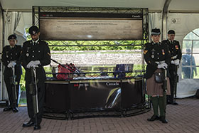Toronto, Ontario. 27 June 2014 – Soldiers perform sentry duties during the unveiling of the Afghanistan Memorial Vigil, at the Fort York National Historic Site, on June 27, 2014 in Toronto, Ontario. (Photo LX2014-045-006 by MCpl Dan Pop, Canadian Army Public Affairs)