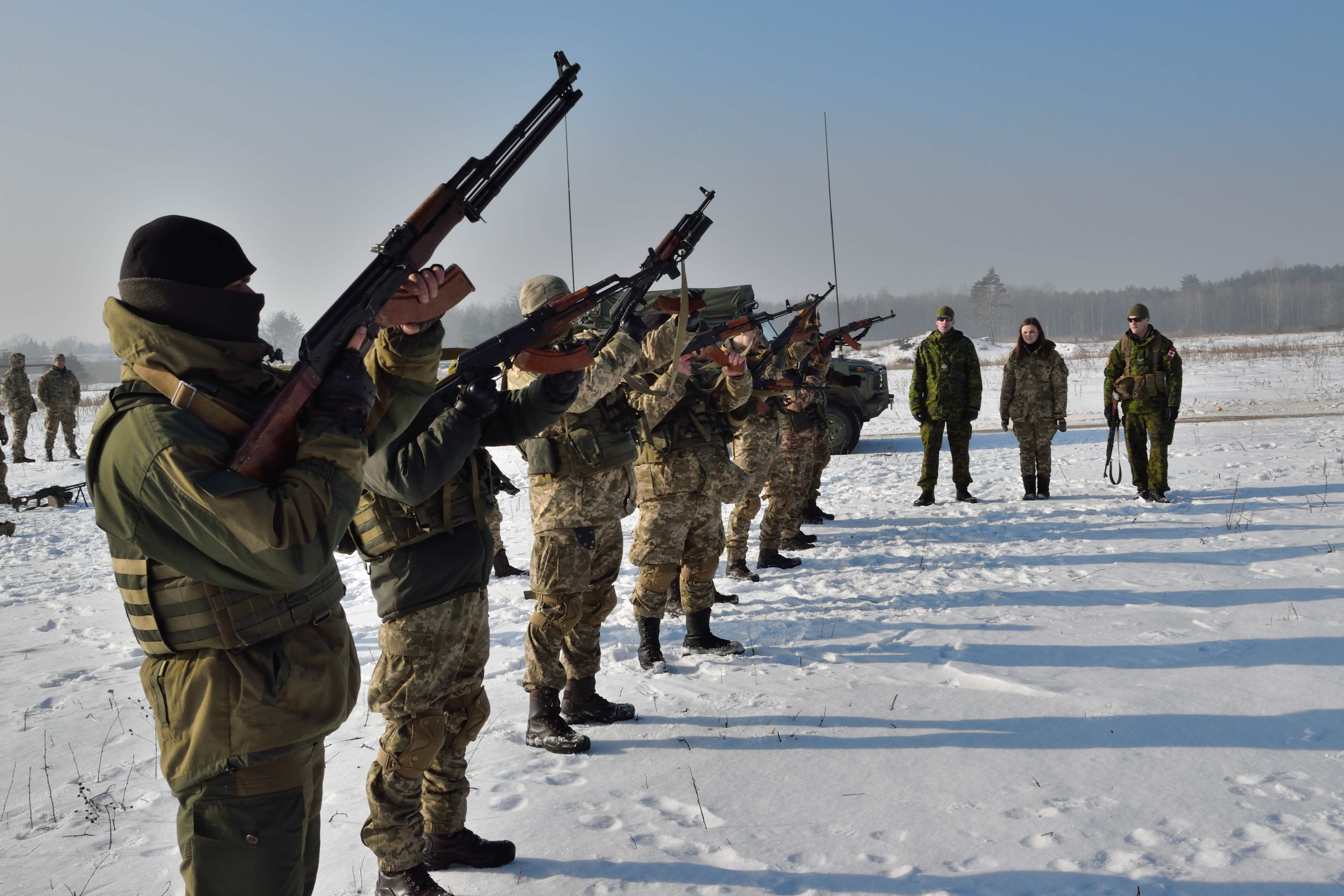 February 15, 2017. Ukrainian soldiers practice magazine loading technique under the guidance of Joint Task Force - Ukraine small team training instructors during Operation UNIFIER at the International Peacekeeping and Security Centre in Starychi, Ukraine on February 15, 2017. (Photo: Joint Task Force – Ukraine)