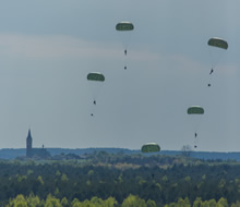 Blendowska, Poland. 5 May 2014 – Canadian jumpers from 3rd Battalion, Princess Patricia's Canadian Light Infantry jump from a Royal Canadian Air Force CC-130 Hercules during Exercise ORZEL ALERT. (Photo Jacek Szymanski DNPA/CF Combat Camera)