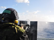 9 March 2016 – Crewmembers of Her Majesty's Canadian Ship (HMCS) Saskatoon conduct training on the .50 calibre heavy machine gun during Op CARIBBE. (Photo: Public Affairs Officer, Op CARIBBE)