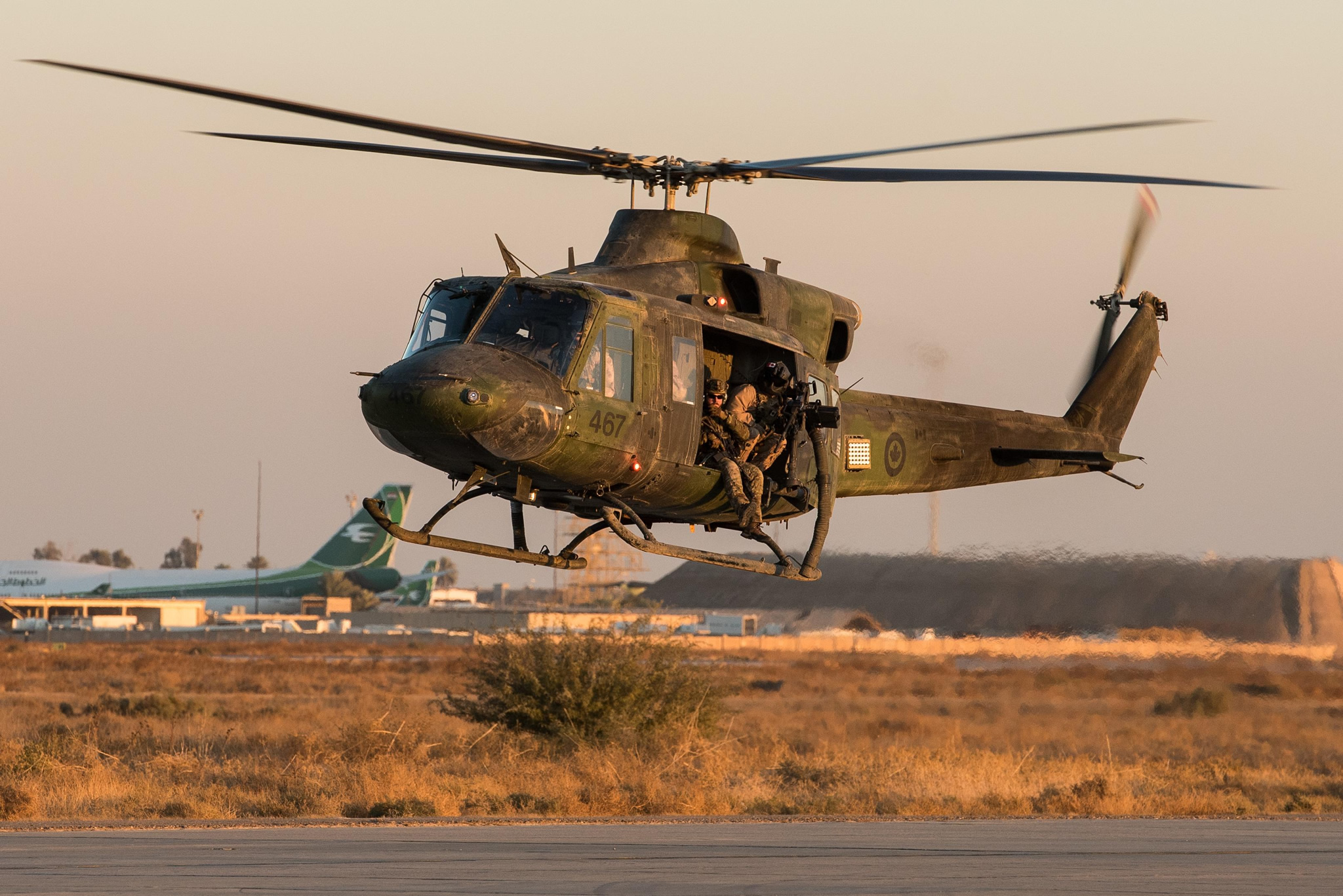A CH-146 Griffon helicopter from 430 Tactical Helicopter Squadron takes off in Northern Iraq during Operation IMPACT, December, 2016. (Photo: Op Impact, DND)