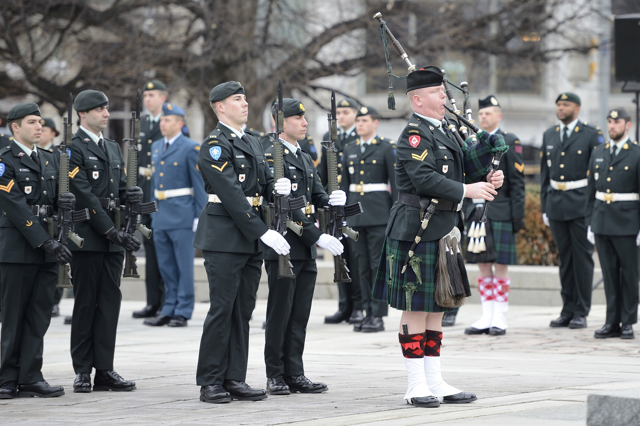 Ottawa, Ontario. 9 April 2015 – Soldiers attend the launch of the National Sentry Program for 2015 at the Tomb of the Unknown Soldier. (Photo: Cpl Wesley, Directorate of Army Public Affairs)