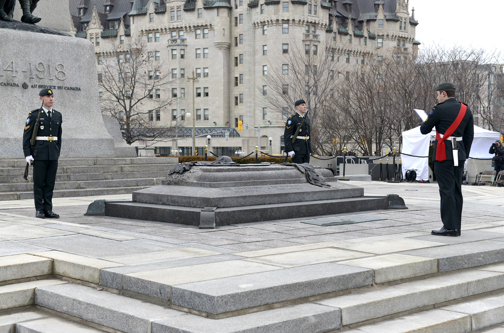 Contingent Commander Sgt Frédéric Manny, Les Fusiliers Mont-Royal, Montréal, Québec, reads out the sentry duties to the soldiers of the National Sentry Program at the Tomb of the Unknown Soldier during the launch of the 2015 season. (Photo: Sgt Dan Shouinard, Directorate of Army Public Affairs)