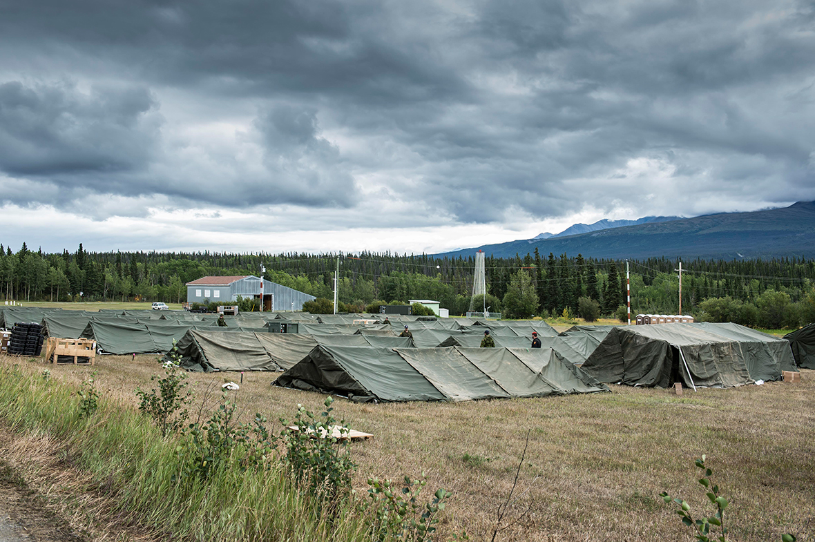 Canadian Armed Forces members complete final set-up preparations at Haines Junction Camp during Operation NANOOK on August 19,  2016. (Photo: Corporal Chase Miller, Canadian Forces Support Unit (Ottawa) - Imaging Services)