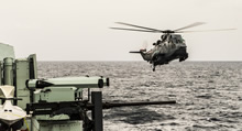 The CH-124 Sea King helicopter from Her Majesty's Canadian Ship (HMCS) FREDERICTON air detachment returns from patrol during Operation REASSURANCE on January 26, 2016. (Photo: Corporal Anthony Chand, Formation Imagery Services)