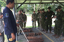 Members of Combined Joint Task Force 663 participate in ordnance recognition training, led by members of the Royal Solomon Island Police Force on September 15, 2016 in Hells Point, Honiara, Solomon Islands. (Photo: Major Dan Shaver, Canadian Armed Forces)