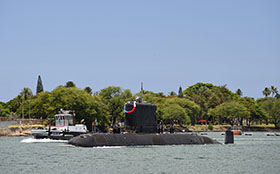 Pearl Harbor, Hawaii. 1 July 2014 – Her Majesty's Canadian Submarine VICTORIA arrives in Pearl Harbor on July 1, 2014 to take part in Exercise Rim of the Pacific (RIMPAC). (Photo: Sgt Matthew McGregor, Canadian Forces Combat Camera)