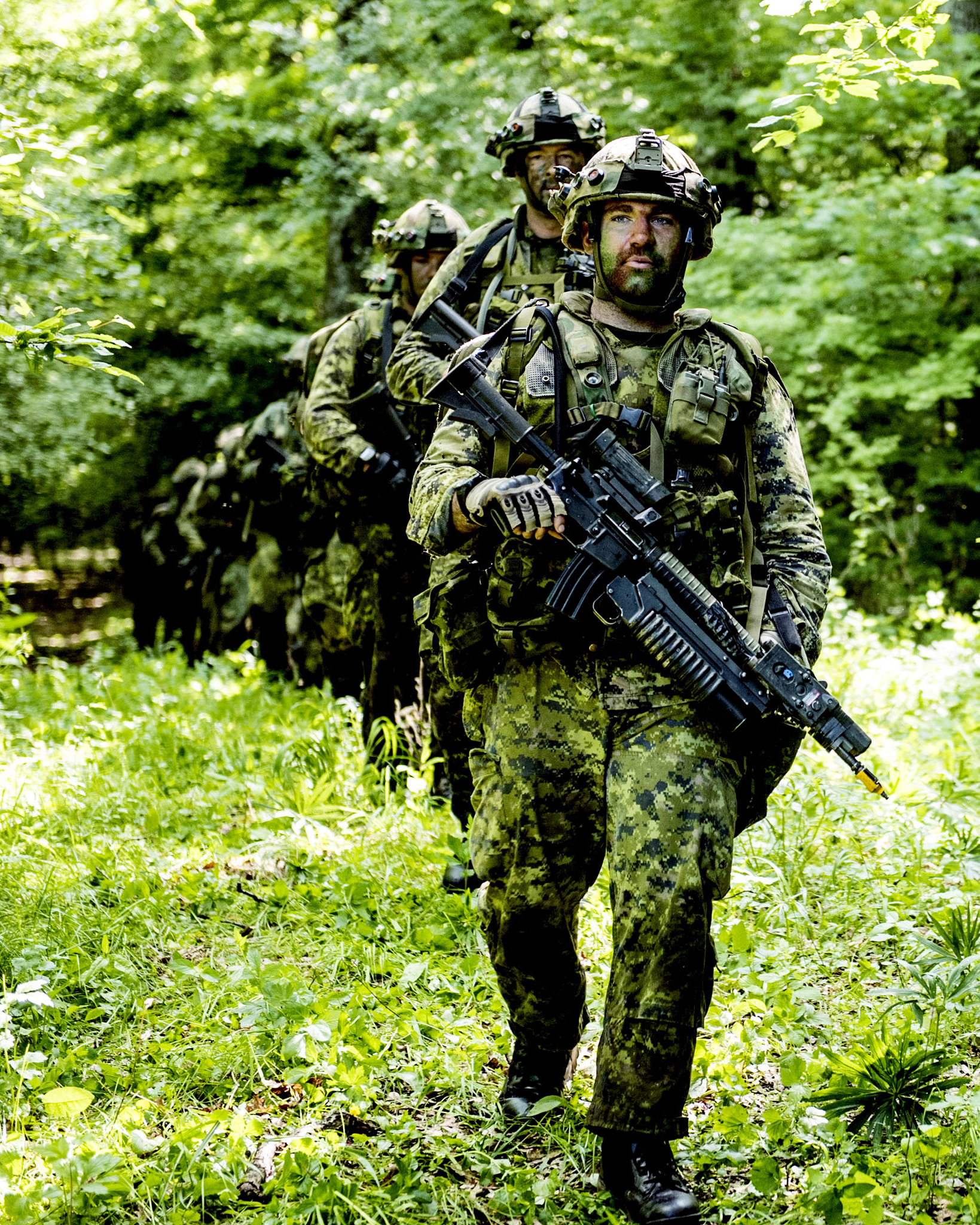 Cincu, Romania. 30 May 2015 – A soldier leads the march during Exercise SARMIS 15 during Operation REASSURANCE.