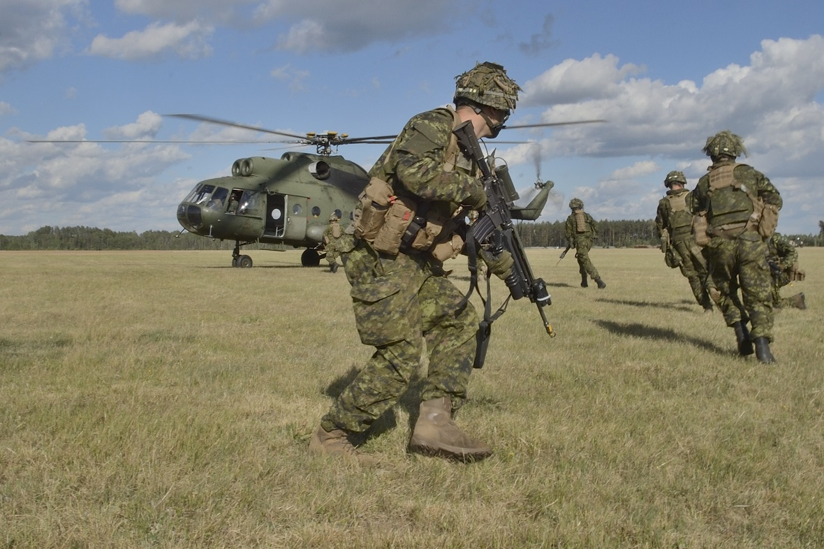 Members of C-Company, 3rd Battalion Princess Patricia's Canadian Light Infantry, (3PPCLI) embark a Polish helicopter Exercise SABRE STRIKE in Poland on June 14, 2017 as part of Operation REASSURANCE. Photo by: MCpl Brandon O'Connell, Image Tech, 3rd Cdn Div PA